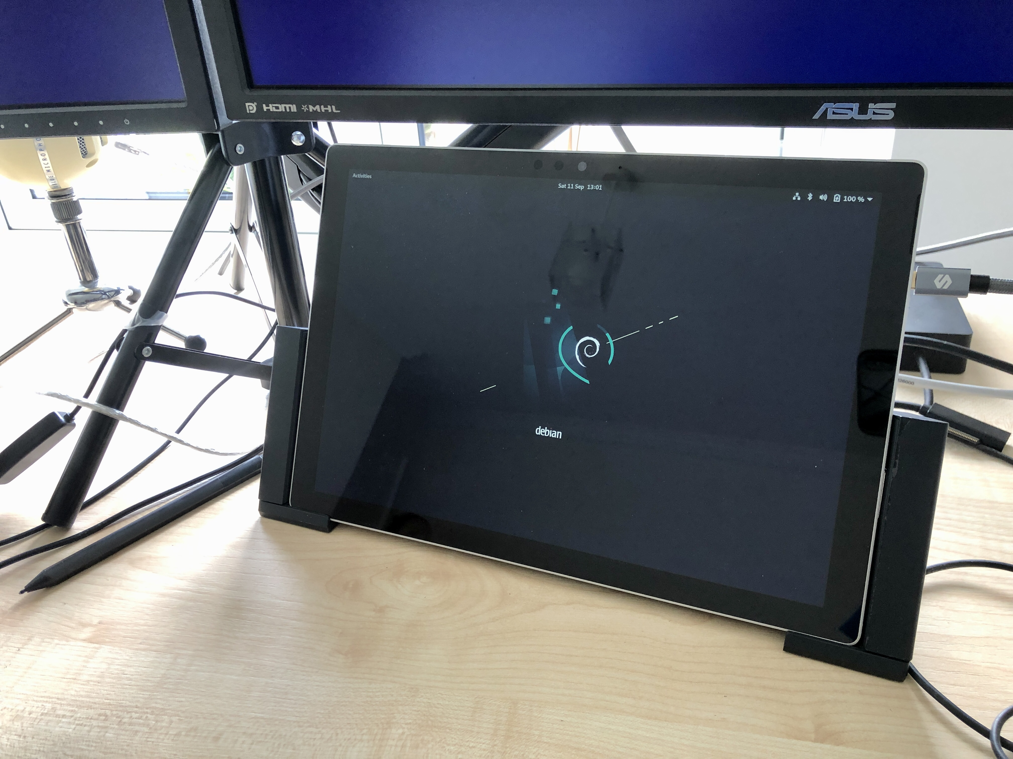 Surface Pro 6 in the old style clamp dock